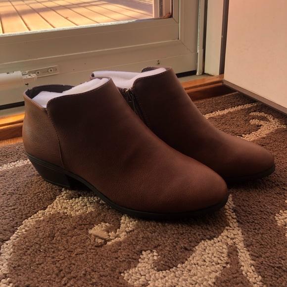 TOETOS Women/'s Cowboy Block Heel Side Zipper Ankle Booties